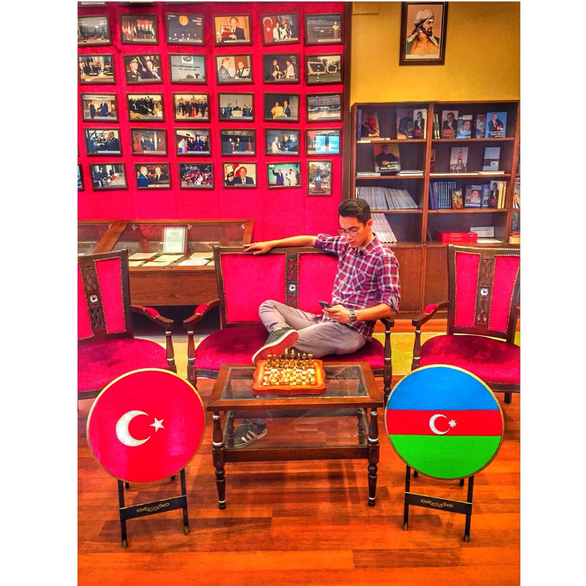 batu3663's Cover Photo