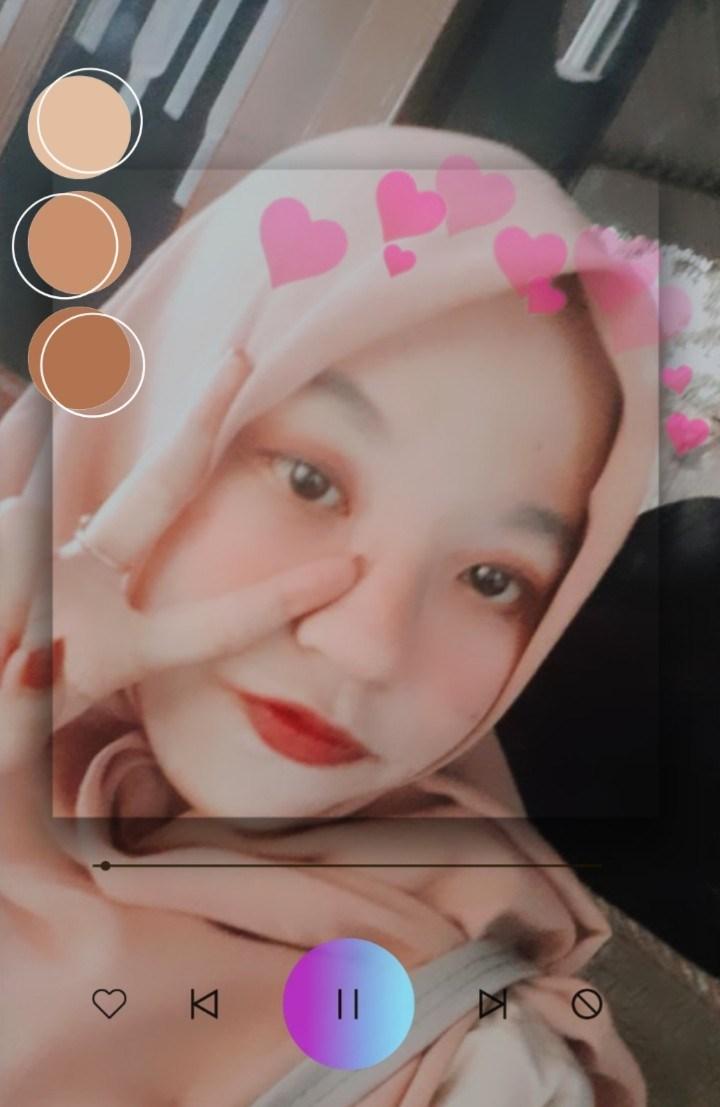 Medinadewi_'s Cover Photo
