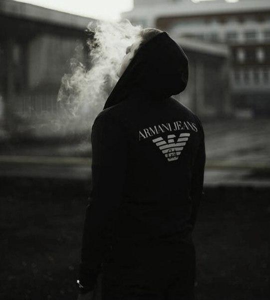 картинка парень в капюшоне с сигаретой девушку или