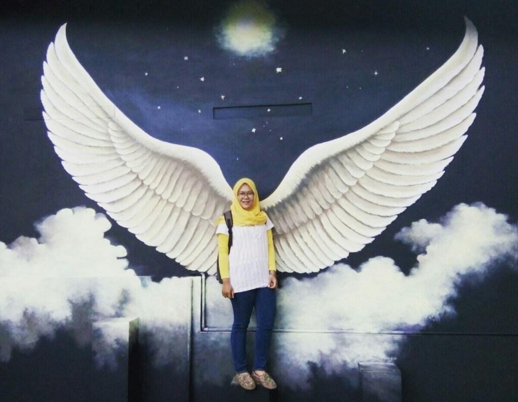 Thaniaaa_Wijaya's Cover Photo